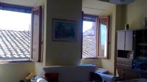 C 197 soggiorno con finestre